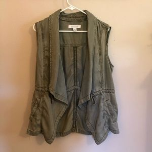 Kenneth Cole Reaction sleeveless jacket